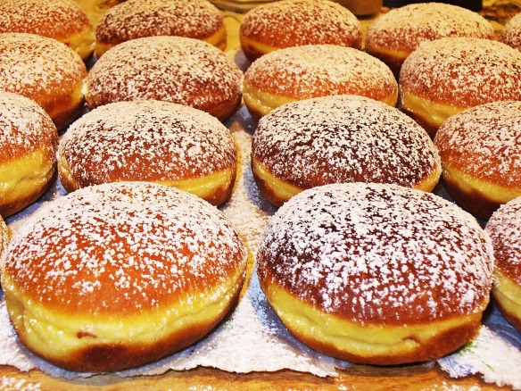 donuts-844023_1280